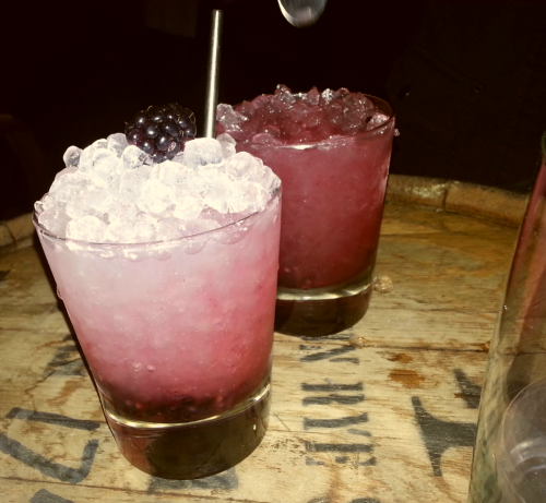Brambles (fresh blackberries, gin, syrup and lemon) are not on the menu so you'd have to ask for them :)