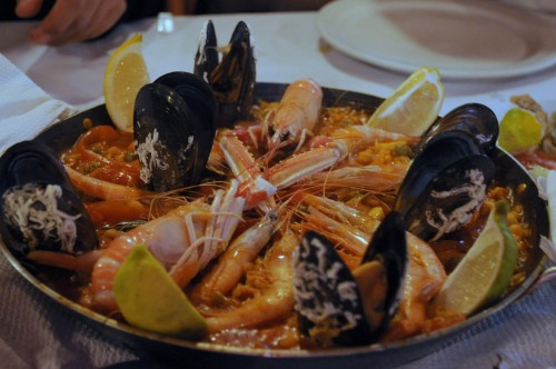 Paella at Playa Faro.